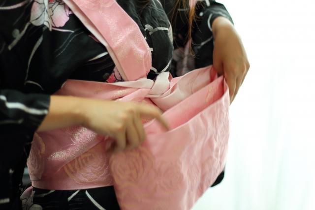 浴衣の帯の仕方
