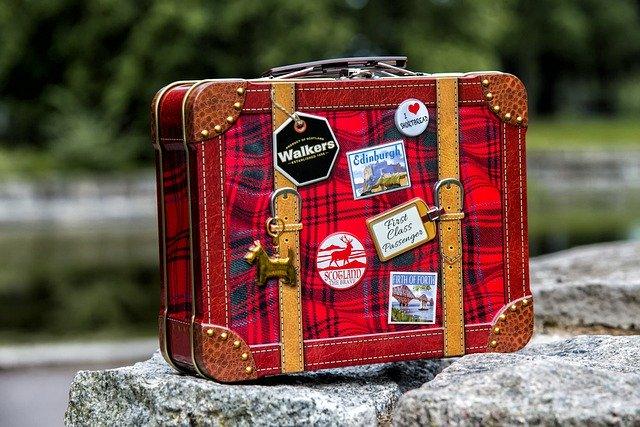 スーツケースを好みのカスタムで楽しんで!